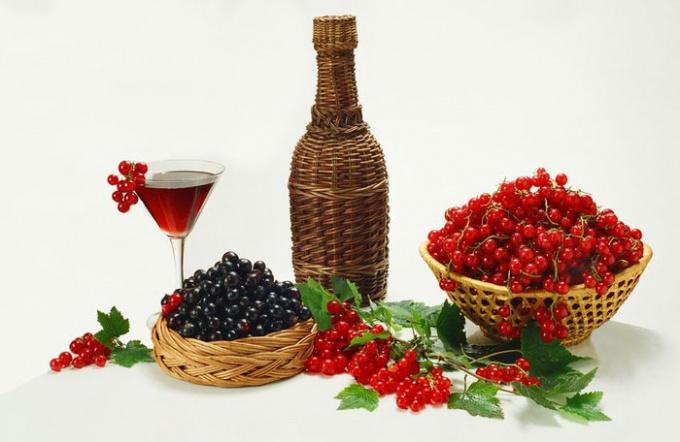 Домашнее вино из смородины белойы