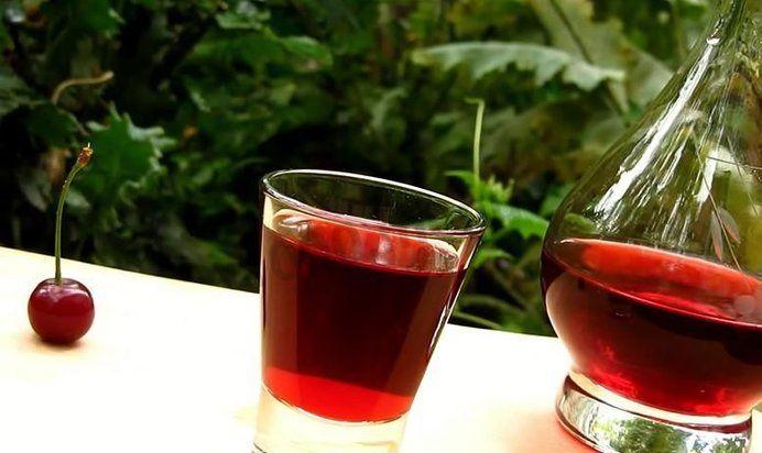 Настойка из вишни в домашних условиях без сахара